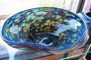 For decorating living and dining areas hand blown glass adds a pop of color to tables and buffets. Our decorative bowls include low free-form ... & Blown Glass Bowls - Seattle Art Glass Gallery \u0026 Glass Blowing Studio ...